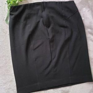 Ann Taylor black pencil skirt. Size 10